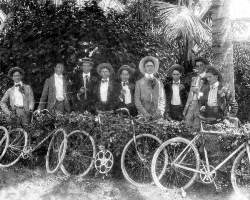 The Dirty Dozen at Royal Palm Hotel Garden in 1910.