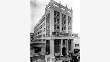 Meyer-Kiser Building in 1944