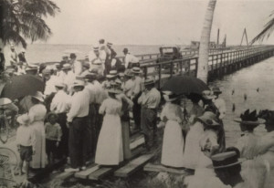 Opening of Collins Bridge in 1913