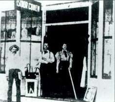 Isidor Cohen Opens First Miami Store in 1896