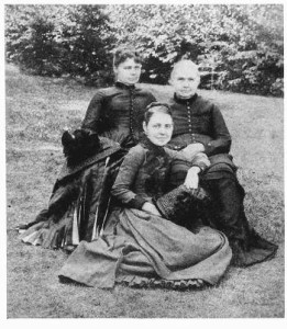 Fannie Tuttle with her mother and grandmother in 1880s