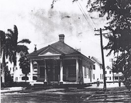 Jackson Home & Office Being Moved in 1916