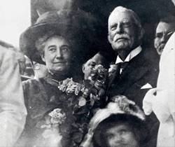 Flagler and wife arriving in Key West in 1912