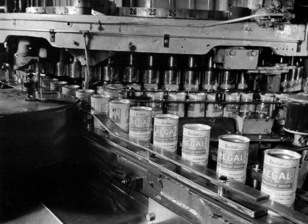 Regal Beer bottling at Miami plant in 1967