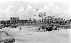 Venetian Pool being built in 1923