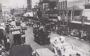 Parade down Twelfth Street in 1911