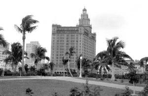 Everglades Hotel in 1920s.