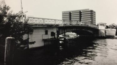 SW Second Ave Bridge looking south in 2000.
