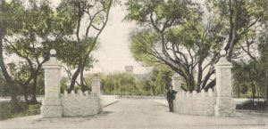 Entrance to Fort Dallas Park in 1905