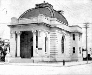 Fort Dallas Bank in 1900