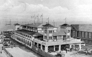 Elser Pier in 1918.