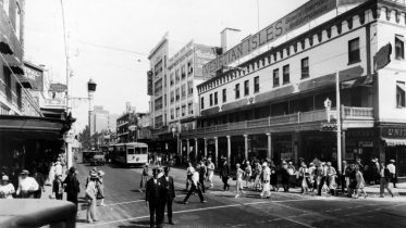 Intersection of Miami Avenue & Flagler Street in 1920s