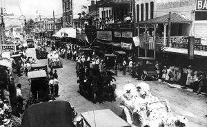 Parade on Flagler Street on July 20, 1911