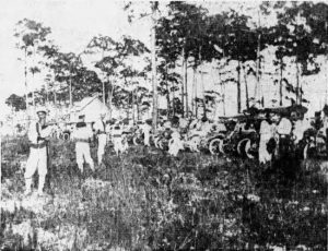 Spectators at Royal Palm Golf Links on July 21, 1911
