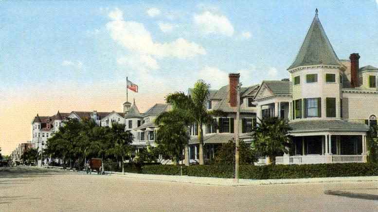 Postcard of Flagler Street in 1912
