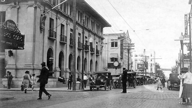 NE First Avenue in 1921