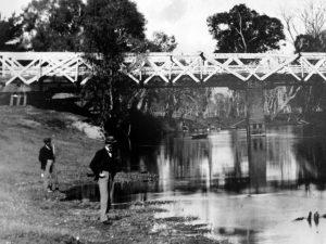 Bridge in Albury, Australia in 1912 before it was replaced