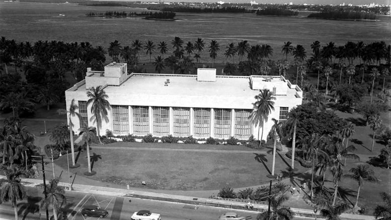 Main Library in Bayfront Park in 1952
